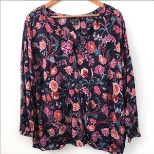 Lucky Brand Navy floral top size 2X